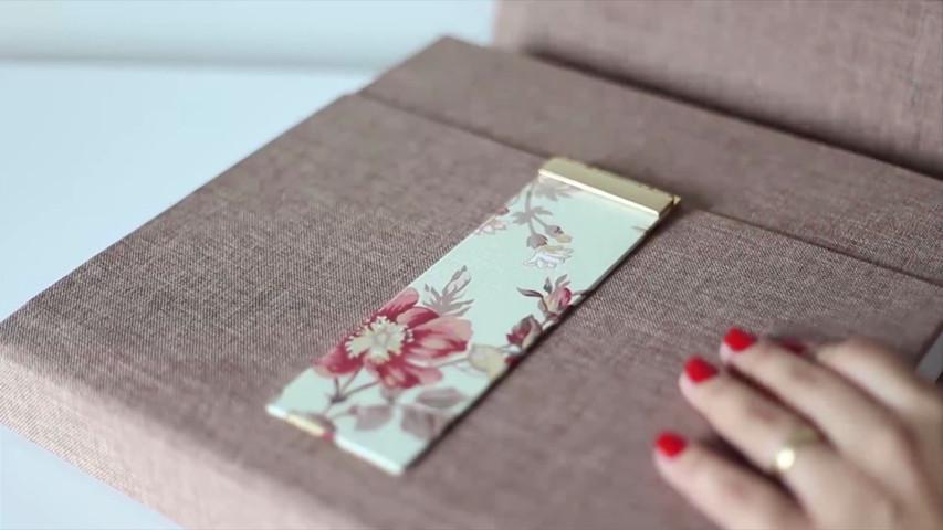 Modelo De álbum Floral Com Linho