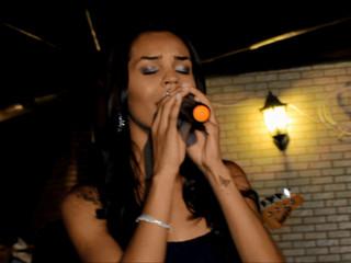 Cantora Mary Miranda