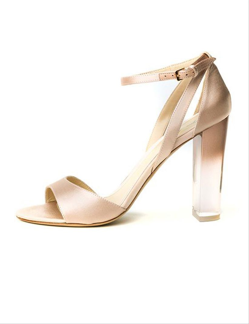 760b1c12c82 45 Sapatos de festa que não ficam presos na grama