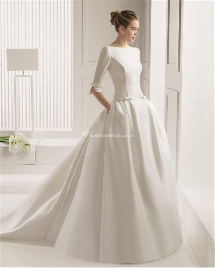 """a0f70439f3 Crepe – de superfície arrugada é leve e com esse tecido deverá ter um pouco  de cuidado para o vestido não acabar com a impressão de """"mal-passado""""."""