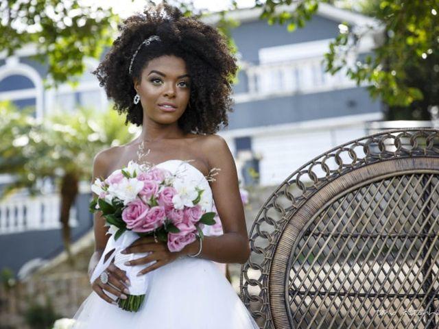 Cuidados especiais para as noivas com cabelo crespo