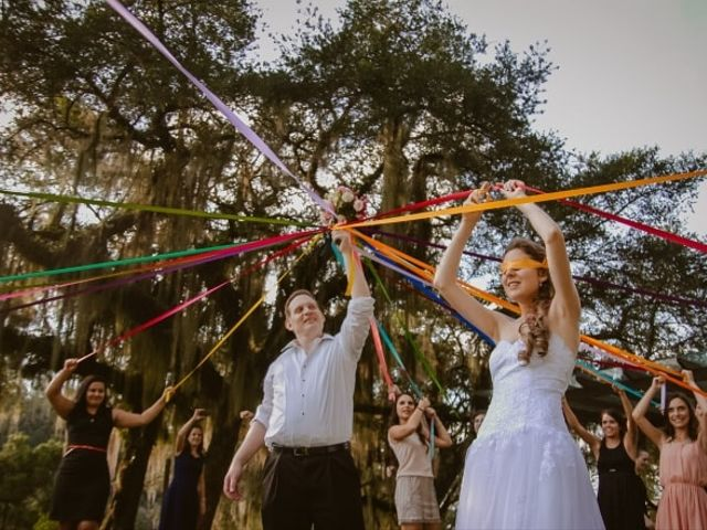 Os noivos lançam novas ideias aos solteiros, e não é o buquê