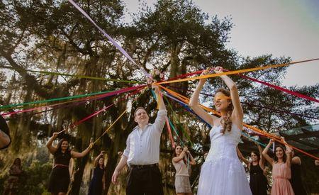 Os noivos lan�am novas ideias aos solteiros, e n�o � o buqu�