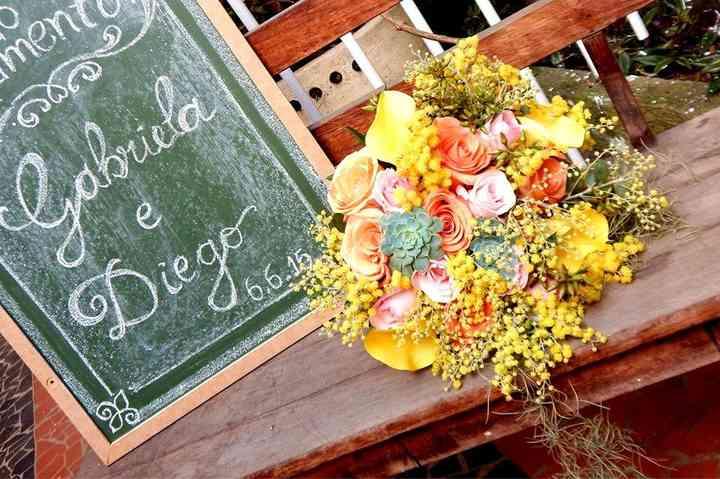 KIS Decorações & Flores