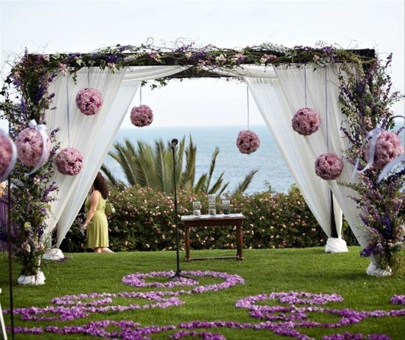 Wedding Altar Decor: Como Decorar O Altar Em Um Casamento Ao Ar Livre