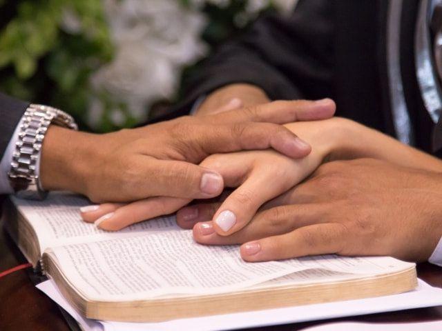 Como escrever votos matrimoniais