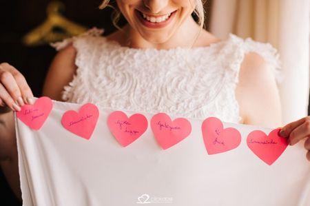 Nome das amigas na barra do vestido: conheça essa tradição
