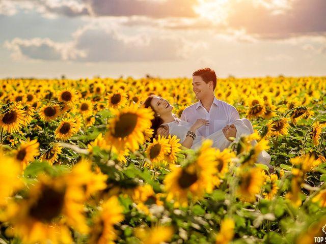 Ensaio pré wedding em meio a flores: inspirem-se