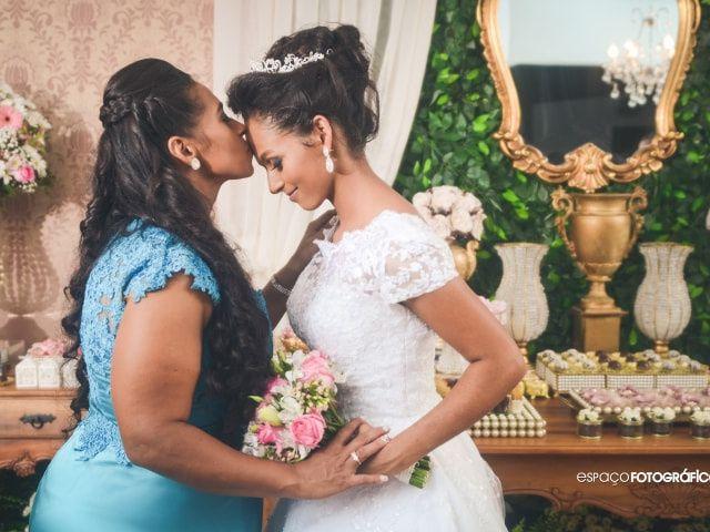 5 Pensamentos que podem passar pela mente da mãe da noiva