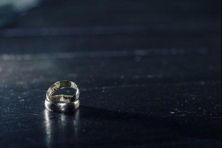 Alian�as de casamento de tit�nio