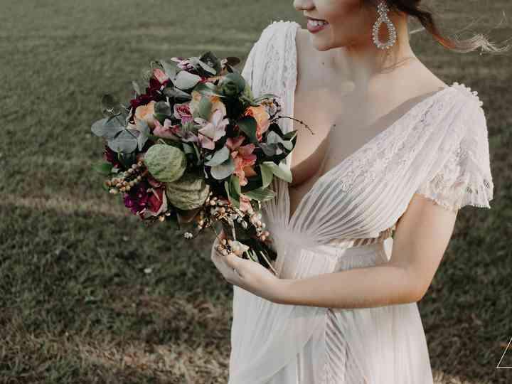 80 Vestidos de noiva com decotes bem cavados: qual deles se atreveria a usar?