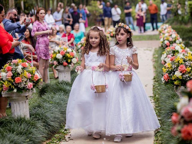 Entenda as diferenças entre dama de honra e florista