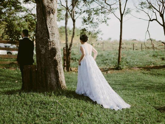 Sugestões para reutilizar o vestido de noiva de sua mãe e homenageá-la