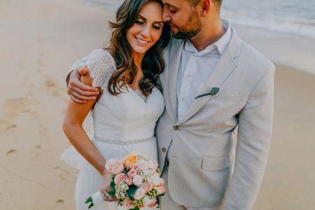 5 Estilos de look para casais que se casam na praia