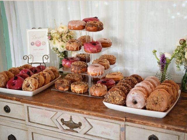 Donuts no casamento: doces que embelezam a decoração