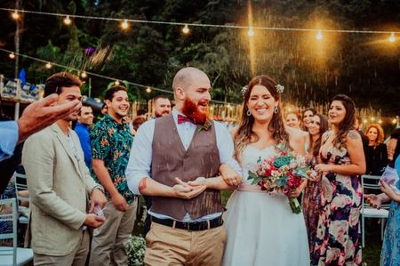 Os trajes dos noivos devem ou não combinar?