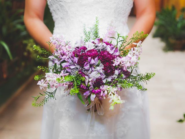 Buquês ultravioleta: a cor Pantone de 2018 presente nas flores