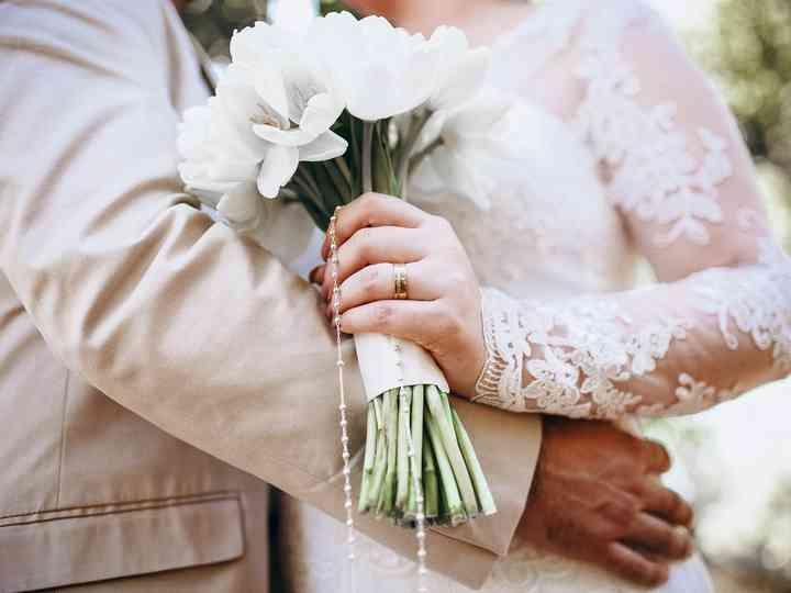30 Buquês de noiva brancos