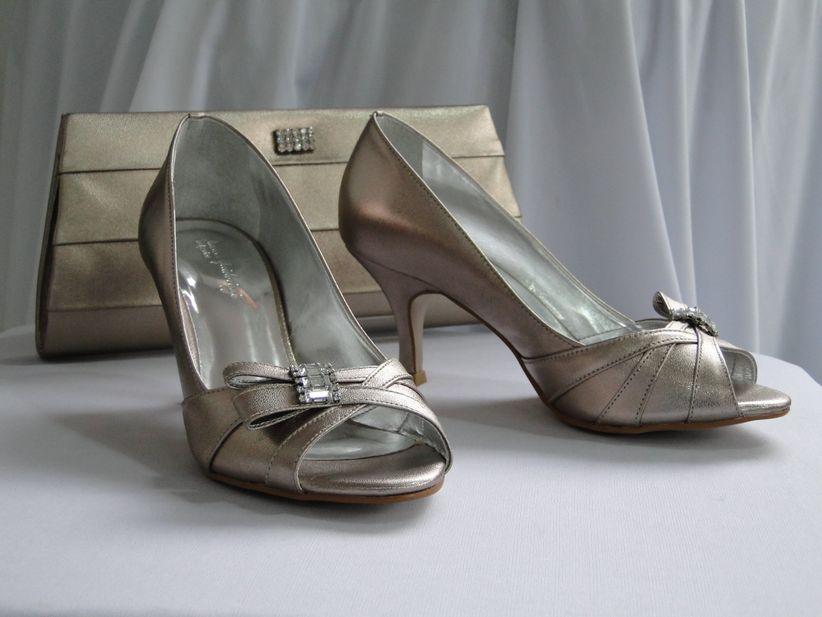 d2c58b939 Look de noiva com acessórios em prata: inspire-se