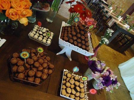 Dicas para decorar a mesa de doces do casamento