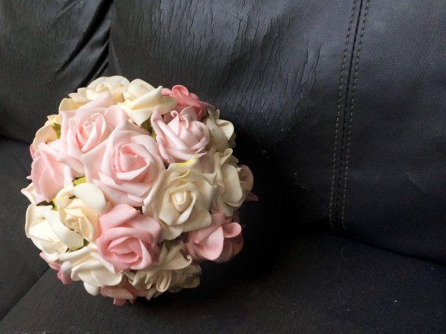 Pomanders de flores artificiais