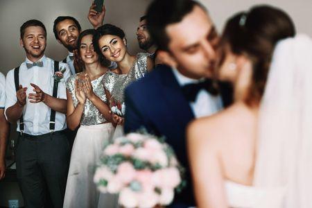 E quando a melhor amiga do noivo não se dá bem com a noiva?