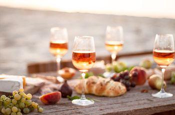 Vinho rosé: como harmonizá-lo com o estilo e menu do casamento