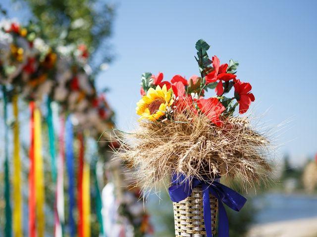 Flores artificiais na decoração do casamento
