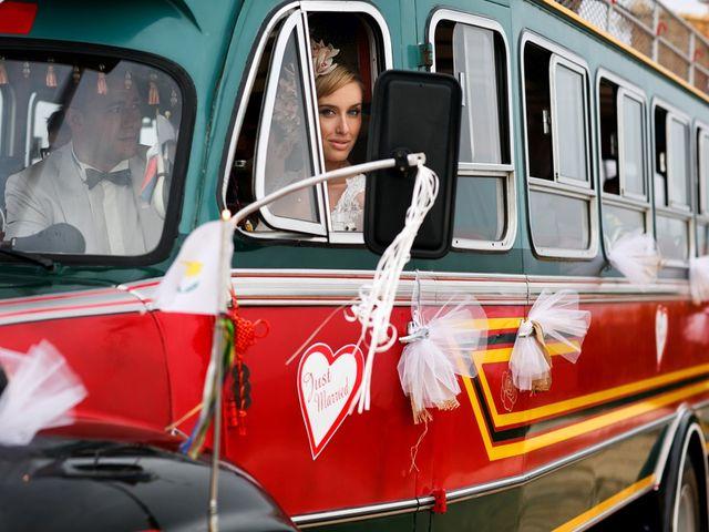6 vantagens em contratar um ônibus para seu casamento