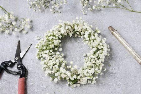 Como fazer uma coroa de flores