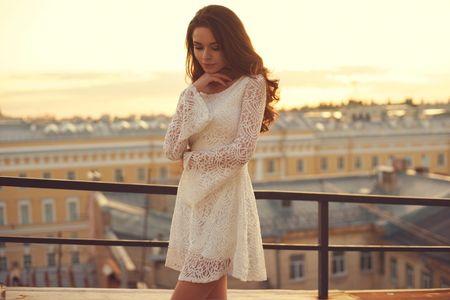 Vestidos curtos: cuidados que as noivas devem ter ao escolher o modelo