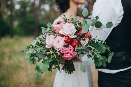 Buquês de noiva em cascata: combina com você?