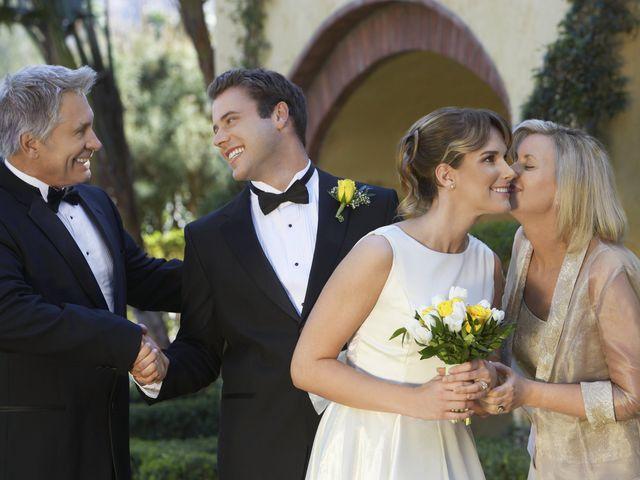 Pais dos noivos separados: como lidar com possíveis desavenças