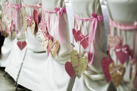 5 detalhes para decorar as cadeiras do casamento