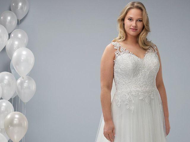 Coleção Plus da White One: um vestido de noiva que reivindica suas curvas
