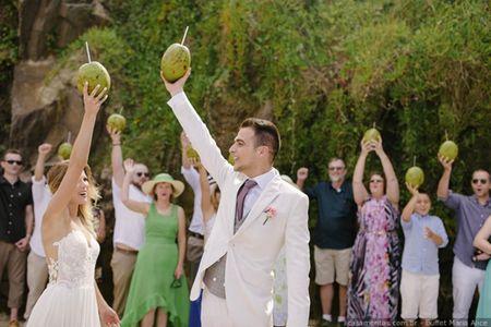 Água de coco: 7 maneiras de servir no seu casamento