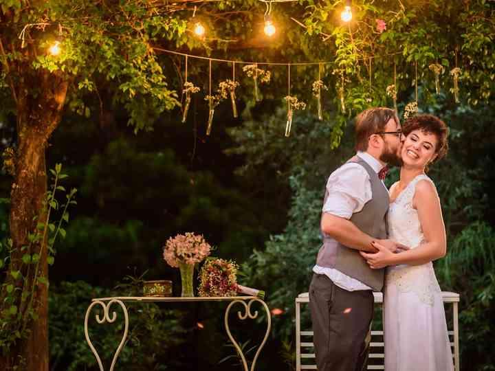 O casamento de Amanda e Carlos: amor escrito entre livros