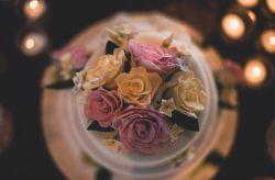 Que bolo de casamento combina com seu estilo?