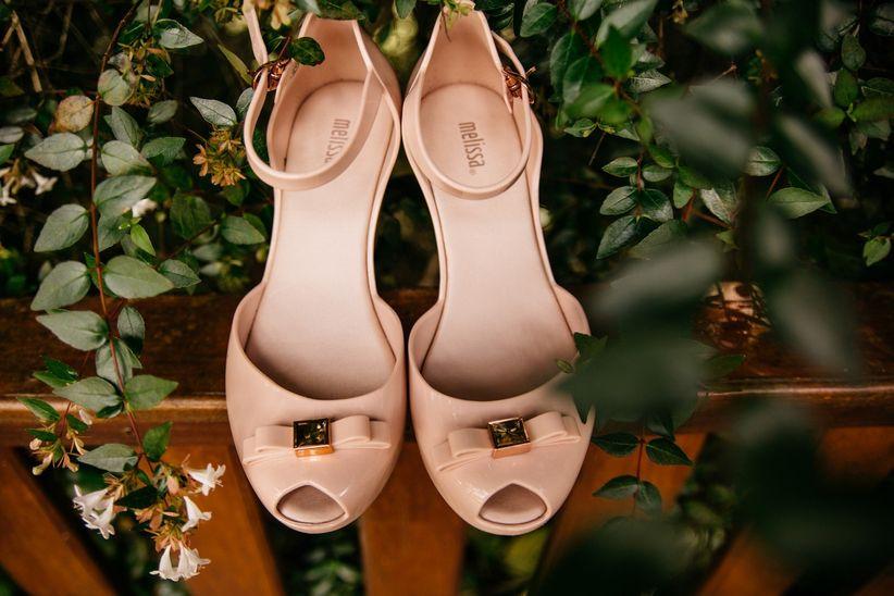 1a8f46661 45 Sapatos de festa que não ficam presos na grama