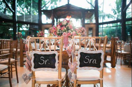 30 ideias de decoração para cadeira dos noivos