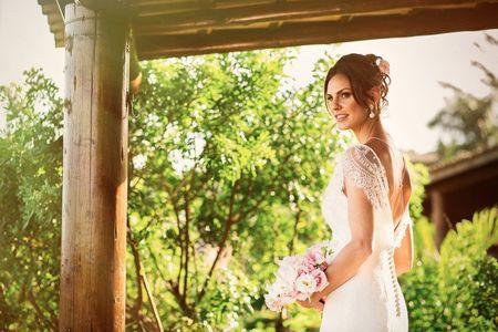25 Penteados simples e naturais para noivas