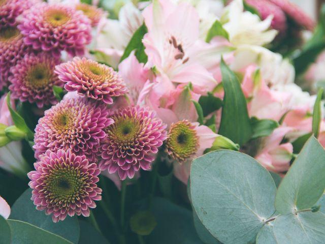 O que você precisa saber na hora de escolher as flores para o seu casamento