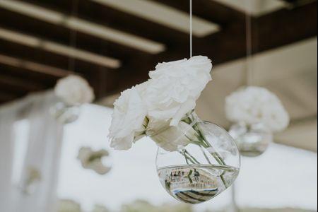 Inspiração de ano novo: branco total para decorar o seu casamento