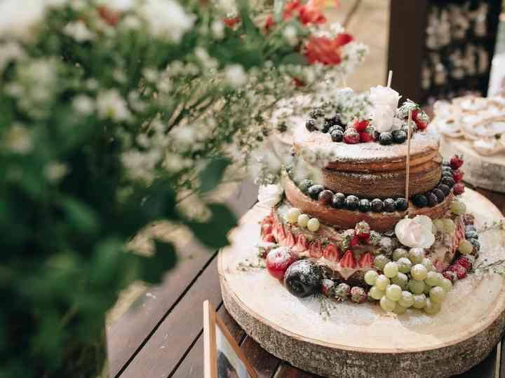 Enfeites para tornar o bolo de casamento mais original