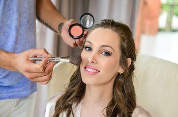 Maquiagem para destacar a beleza dos olhos azuis