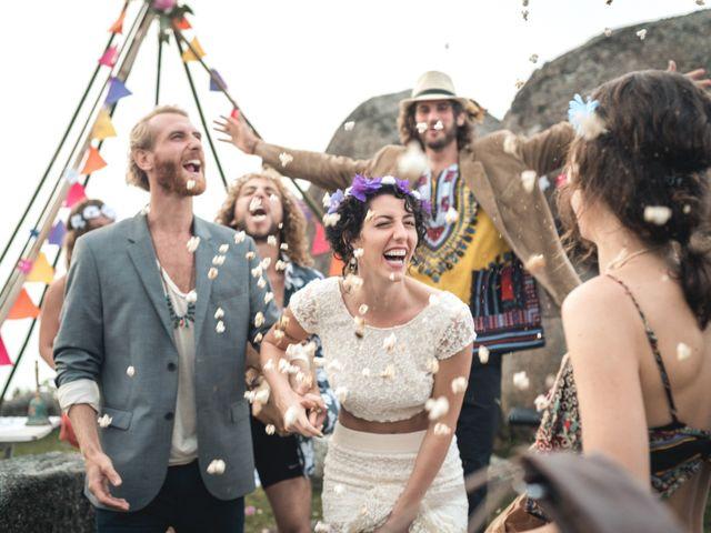 O casamento de Nikie e Didier: uma celebração praiana mágica
