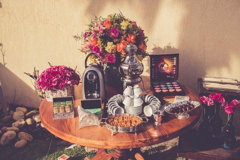 Ideias criativas para decorar a sua mesa de ch e caf for Modelos de mesas para cafeteria