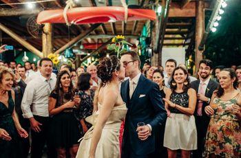 O casamento emocionante de Camila e Maarten, na Barra do Una