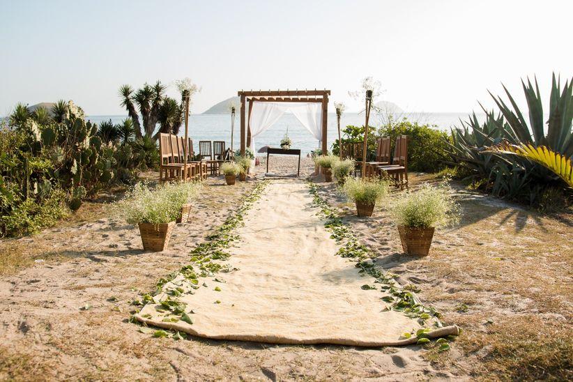 Casamento pé na areia: vem ver essas inspirações e dicas 5