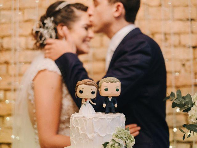 O casamento de Livia e Victor: cantinho rústico e muito amor